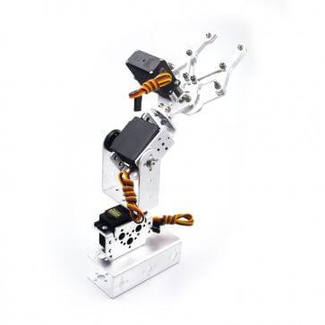 Brat robotic manipulator cu 3 motoare